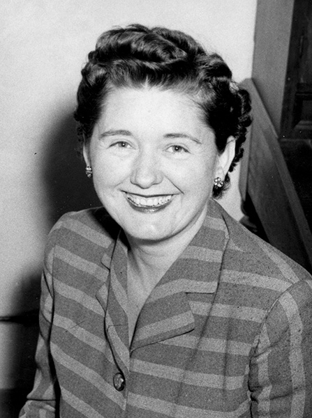 first woman to win pulitzer prize